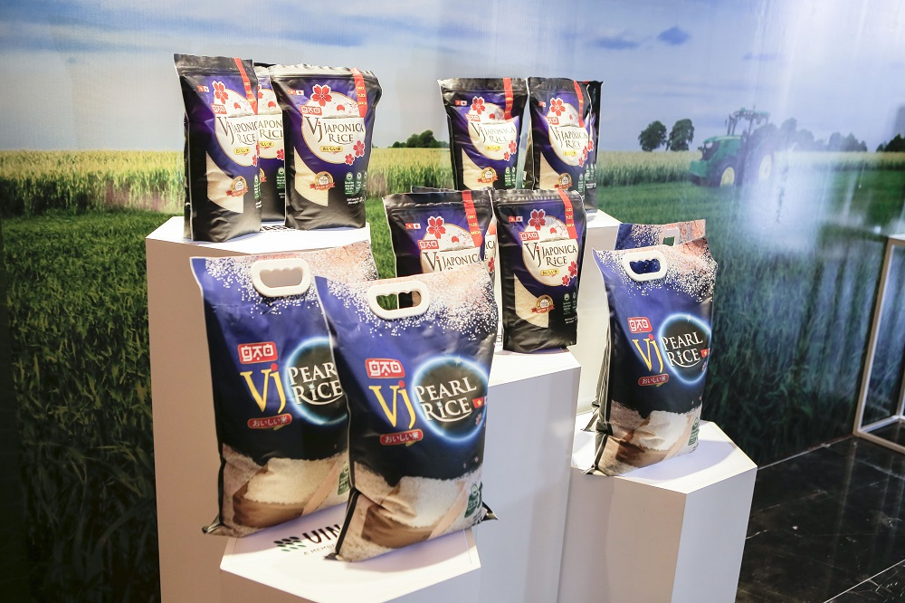 Selling price over 1,000 USD/ton, Vietnamese rice brand has been brought to the world